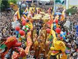 Hàng Vạn Phật Tử, Du Khách Dự Lễ Hội Quán Thế Âm 2014
