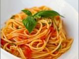 Mì Spaghetti Chay Nấu Xốt Cà Chua và Thảo Mộc