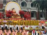 Đài Loan: Hơn Một Vạn Người Dầm Mưa Đón Mừng Phật Đản Tri Ân Ngày Lễ Hiền Mẫu