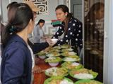 Ấm Lòng Bữa Cơm Từ Thiện Tại Chùa Giác Hải Nha Trang