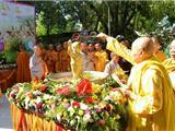Video Ca Khúc: Hôm Nay Phật Đản Sanh - Ca Sĩ Gia Huy