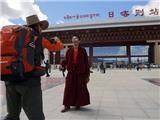 Khách Du Lịch Trung Hoa Ứng Xử Vô Văn Hóa Với Phật Giáo Tây Tạng