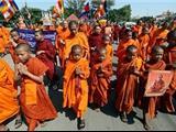 Campuchia: Hàng Trăm Nhà Sư Biểu Tình Chống Việc Xâm Phạm Học Viện Phật giáo
