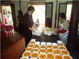 Cơm Từ Thiện Cho Bệnh Nhân Ung Thư Tại Chùa Linh Sơn