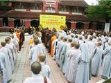 Hàng Trăm Tăng Ni Tham Gia Thi Tuyển Cử Nhân Phật Học Ở Huế