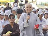 Đem Ánh Sáng Phật Pháp Đến Cho Người Mù