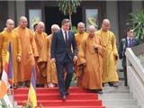 Thủ Tướng Anh David Cameron Thăm Viếng Chùa Vĩnh Nghiêm