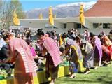 Hoa Kỳ: Người Thái Và Lào Đón Mừng Năm Mới Ở Chùa