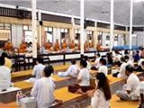 Thái Lan: Mang Khẩu Trang Và Cách Ly Khi Đến Chùa Trong Mùa An Cư Kiết Hạ
