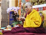 8,000 Phật Tử Tây Tạng Đón Mừng Sinh Nhật Lần Thứ 80 Của Đức Dalai Latma