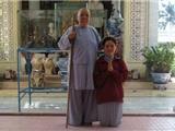 Ngọc Trong Trăng Lạy Niệm Giác Linh Thầy – Ni Trưởng Thượng Huệ Hạ Giác